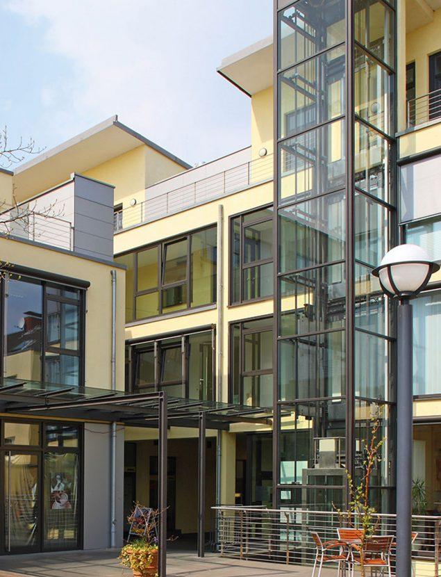Jansen Wohnmöbel - Fenster & Haustüren